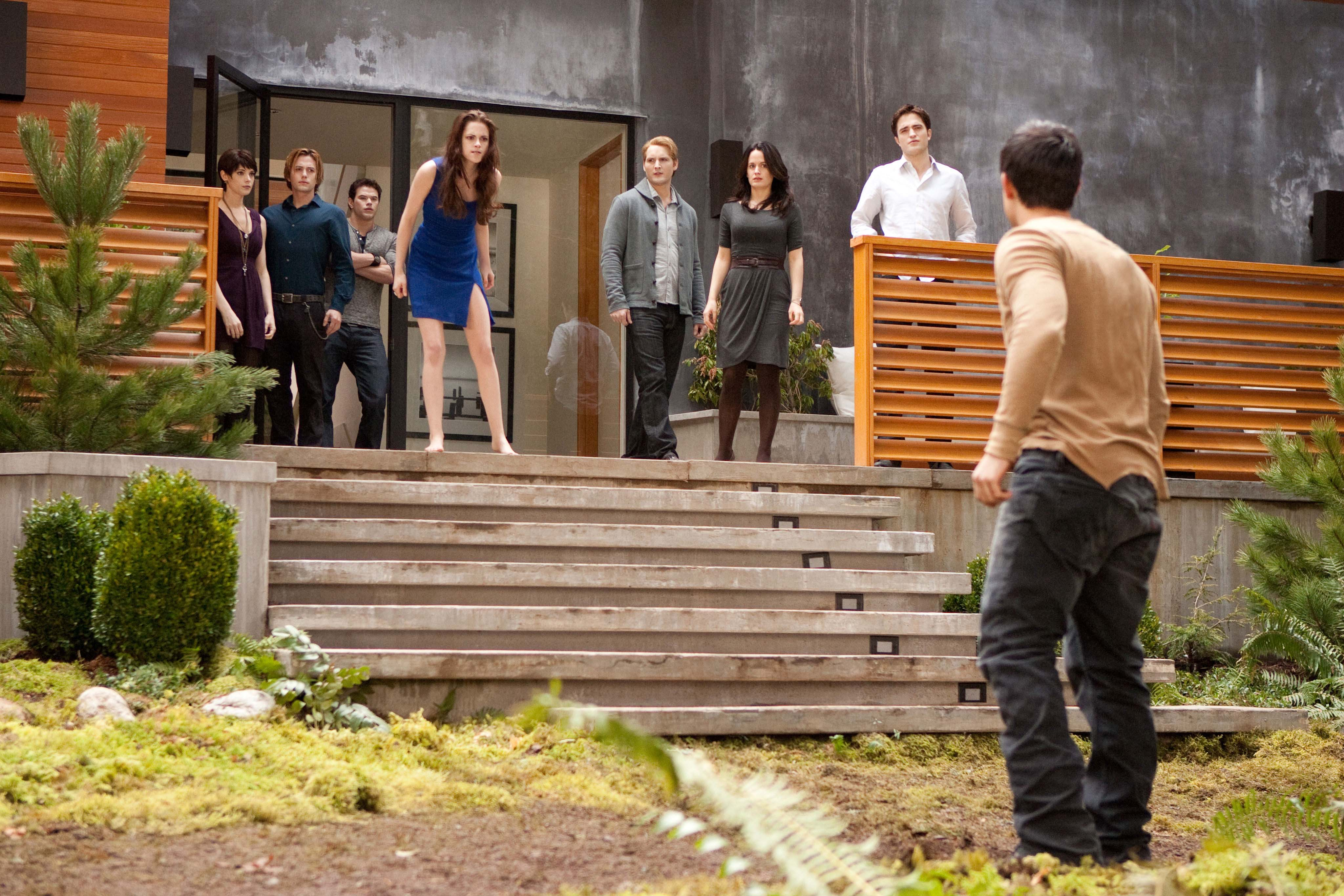 Exclusive: New Images From The Twilight Saga: Breaking Dawn Part 2 | The  Lebanese Cinema Movie Guide